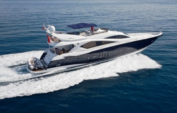 Charter Yacht Sunseeker Manhattan 82 - 4 Cabins - Sardinia
